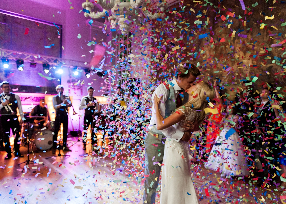 Elegant Cotswold Wedding confetti shower